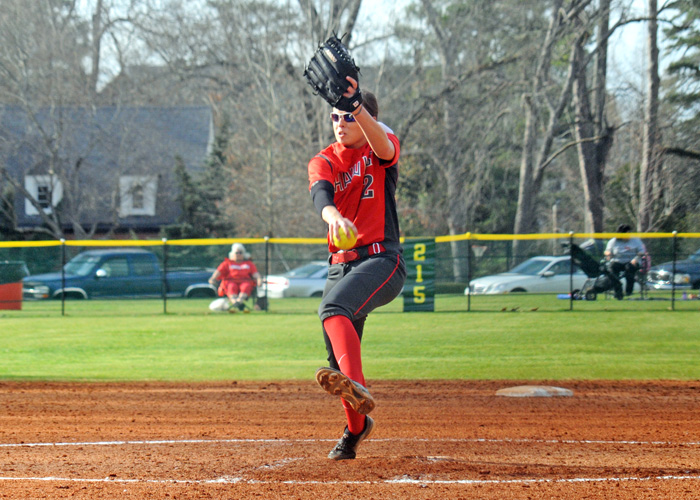 Sophomore Lindsey Selph pitched a complete game in Saturday's 9-3 win over Agnes Scott.