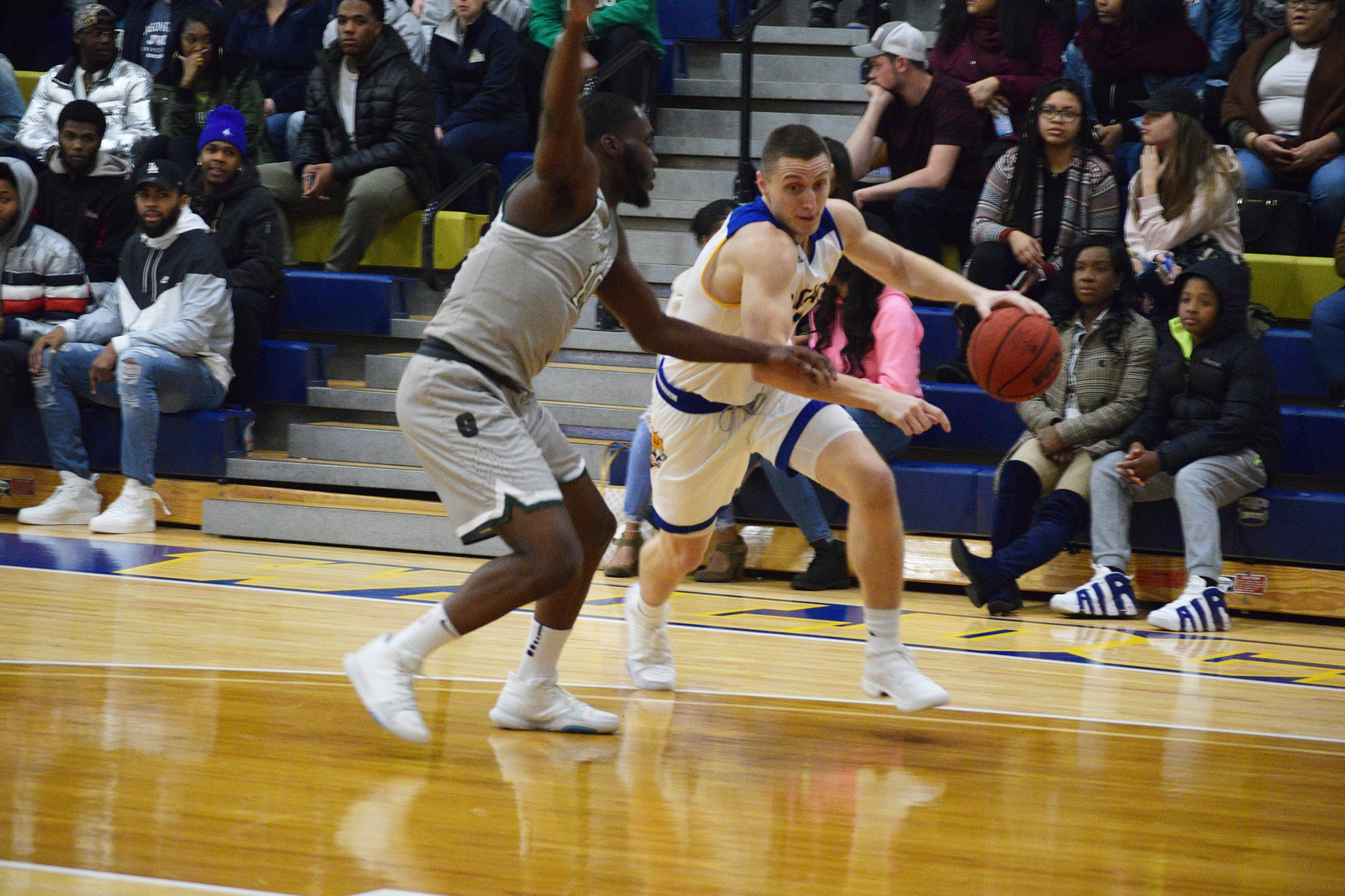 Men's Basketball Takes Down Babson 78-68
