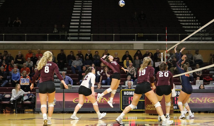 Volleyball Season Ends In Conference Tournament