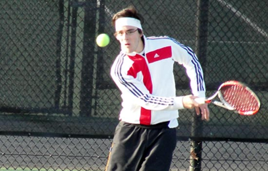 Men's Tennis Sweeps Colby-Sawyer