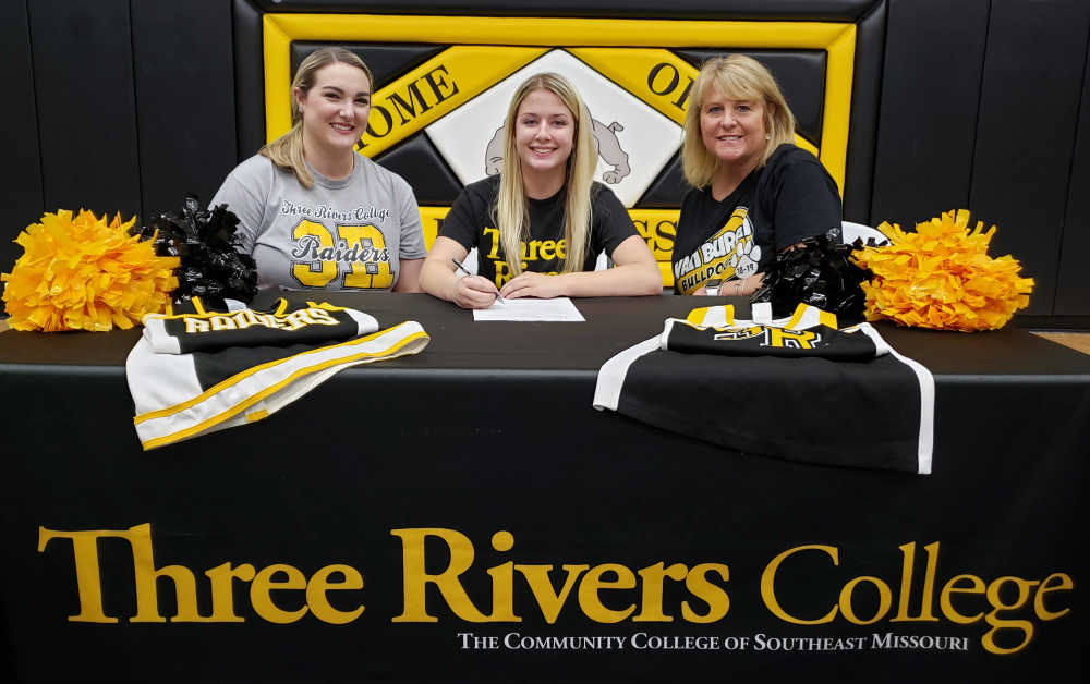 Van Burens' Chloe Cantrell signs with Three Rivers cheer squad
