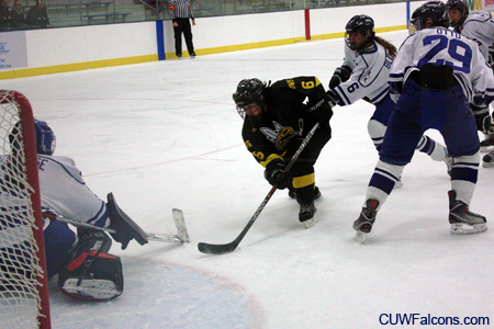 Women's Hockey swept by No. 10 UW-Superior