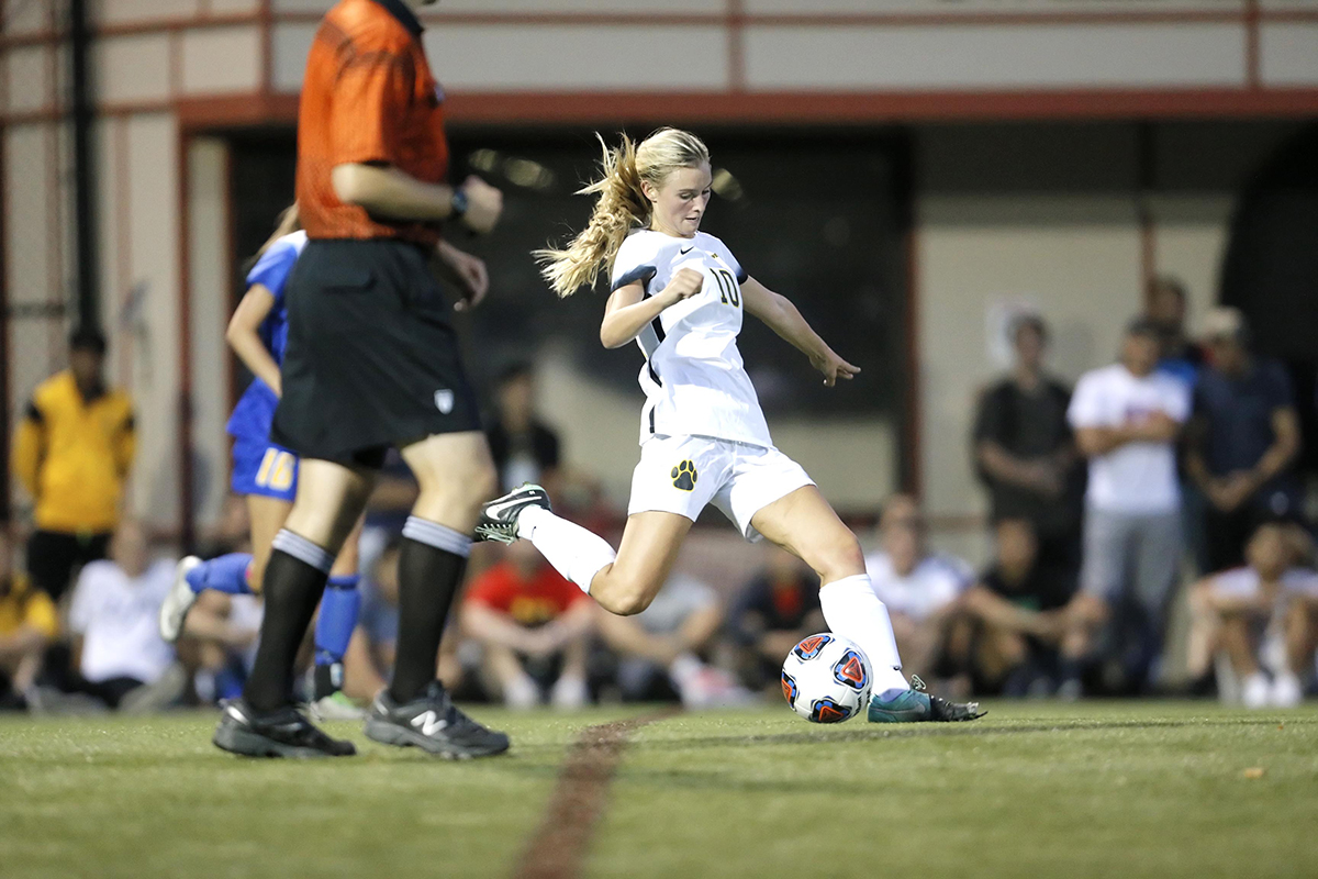 Brandeis Works Overtime to Defeat Women's Soccer