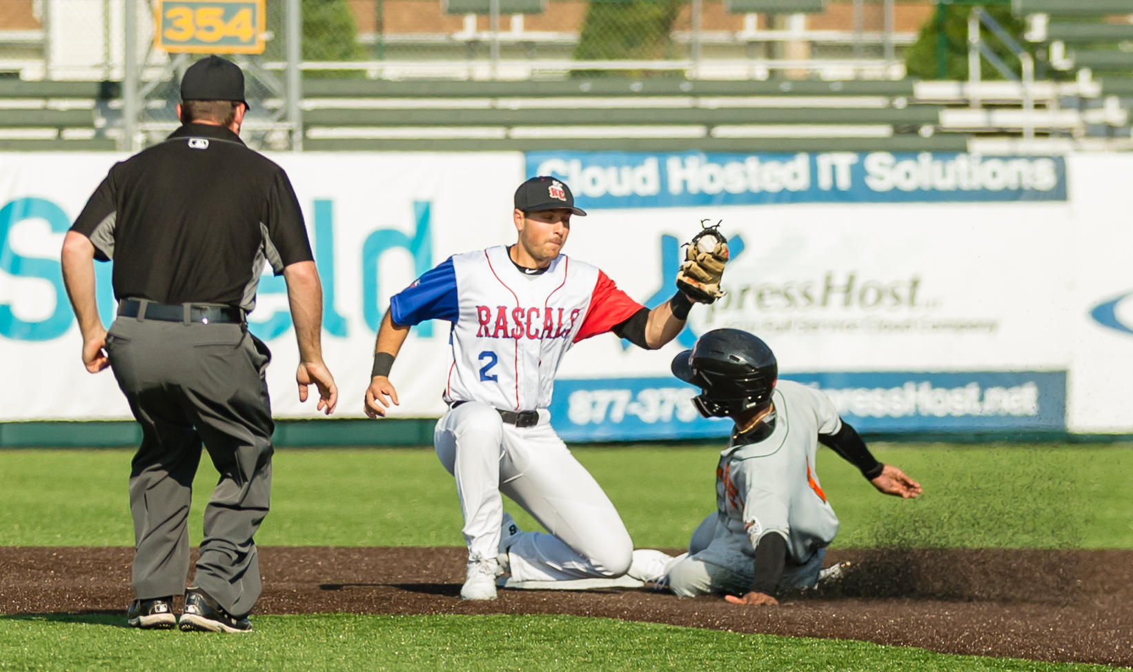 Rascals Fall in Finale