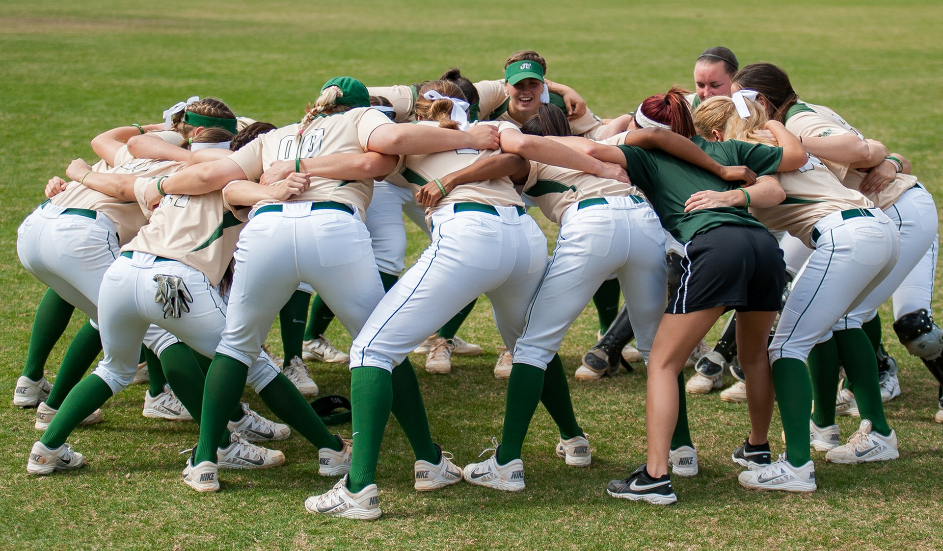 Softball Preview: Dolphin Invitational