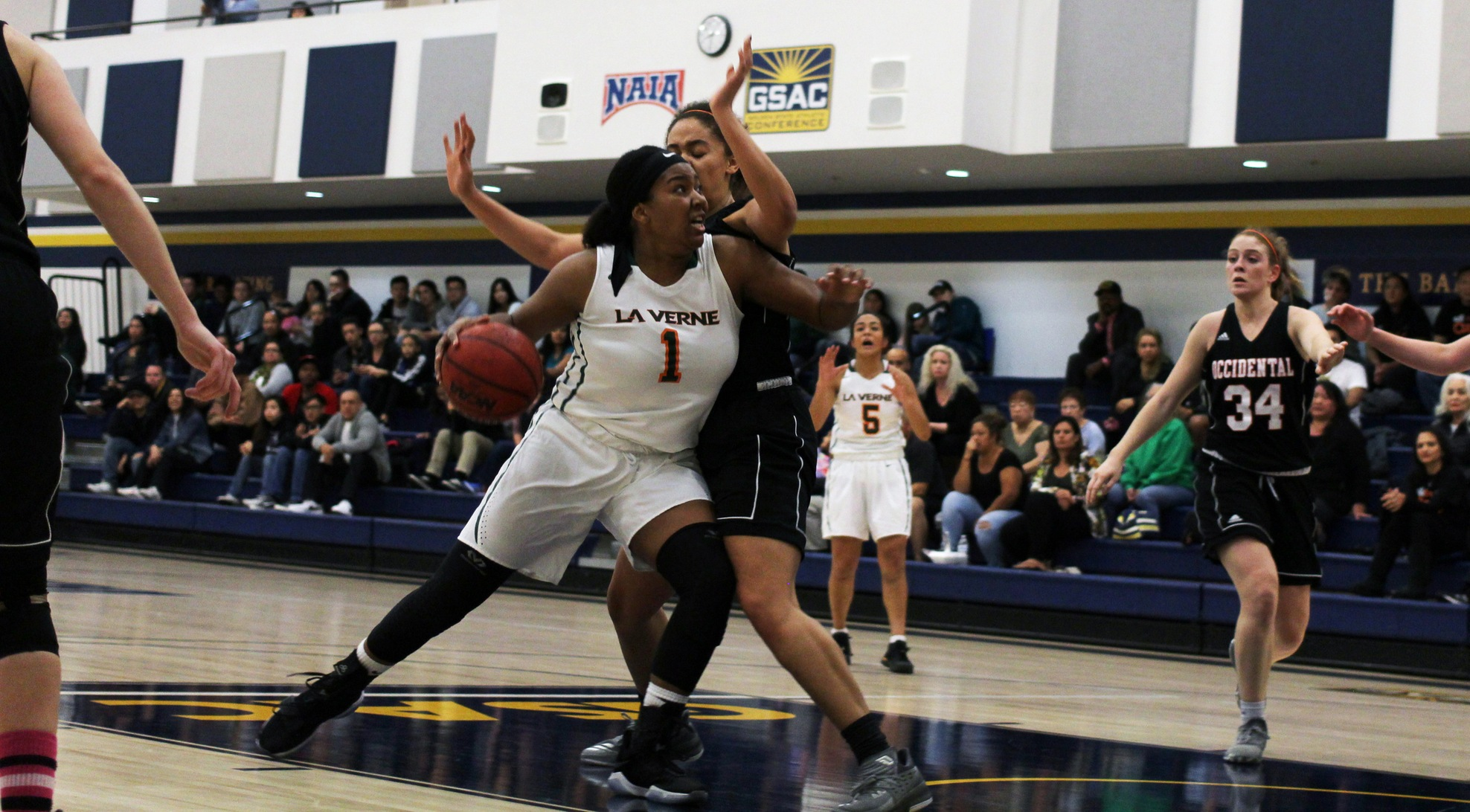 Leopards Surge in second half to beat Sagehens