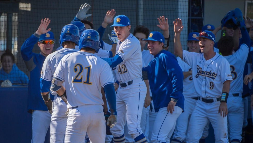 Walk-Off Grand Slam Wins it for Gauchos in the 11th