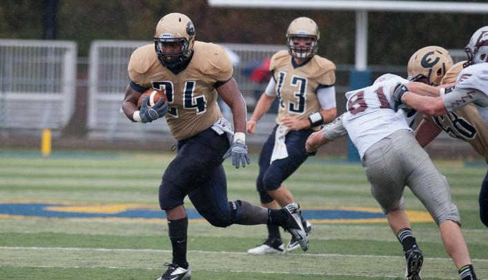 Blugold Football Drops Close Battle to 18th-Ranked Pioneers