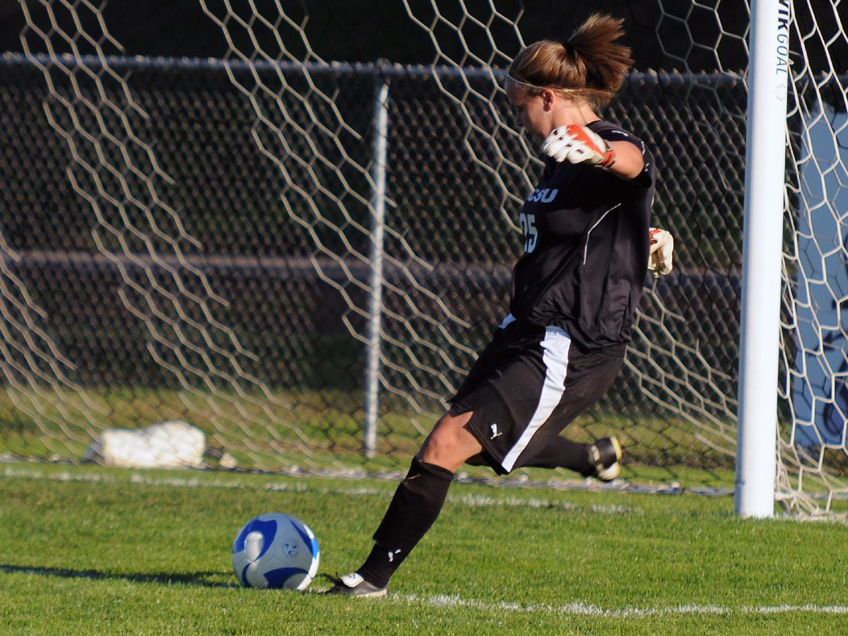 Women's Soccer Shuts Out Wagner 4-0 on the Road on Friday Afternoon