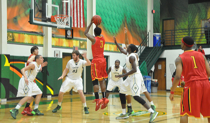 Ferris State Pulls Out Victory Down Stretch To Remain Unbeaten In GLIAC