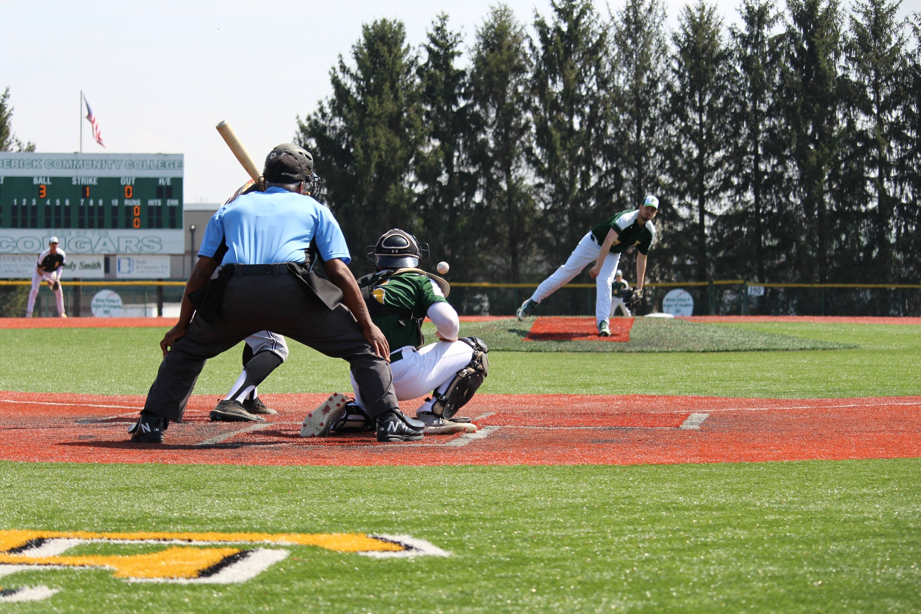 Baseball notches two road wins over Hornets