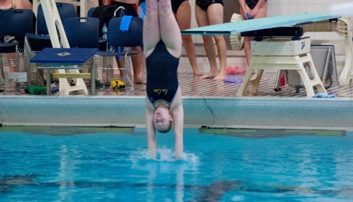 Women's Swimming & Diving Takes Second at St. Thomas Invite