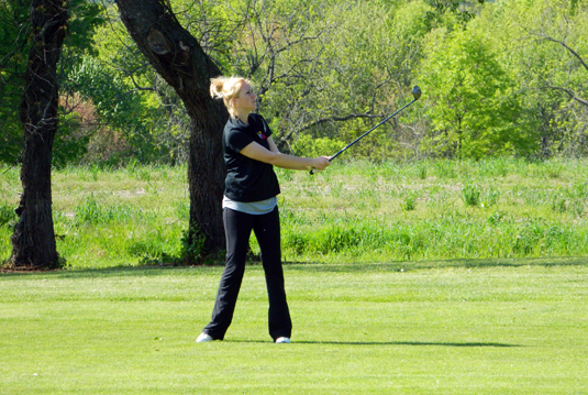 Women's Golf fourth at Centennial Championship
