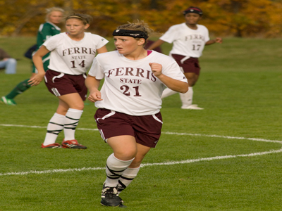 Senior defender Stevie Salow and Ferris State were selected fifth in the 2009 GLIAC Women's Soccer Preseason Poll.