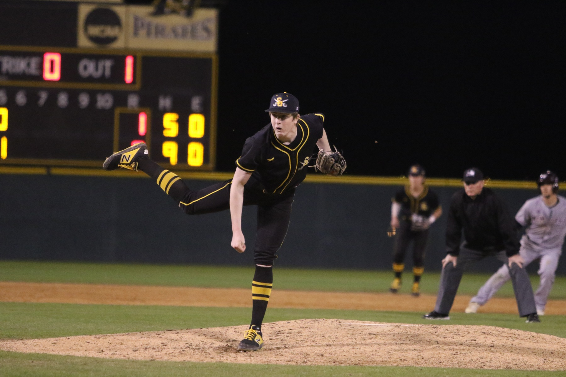 Southwestern and TLU Baseball Split Doubleheader with Strong Pitching Performances