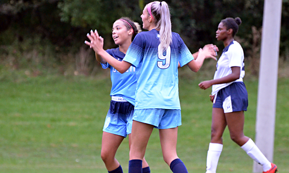 Late goal gives women's soccer win over UTM