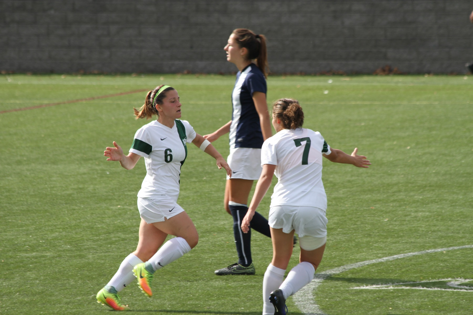 Women's Soccer Draws With #21 Brandeis