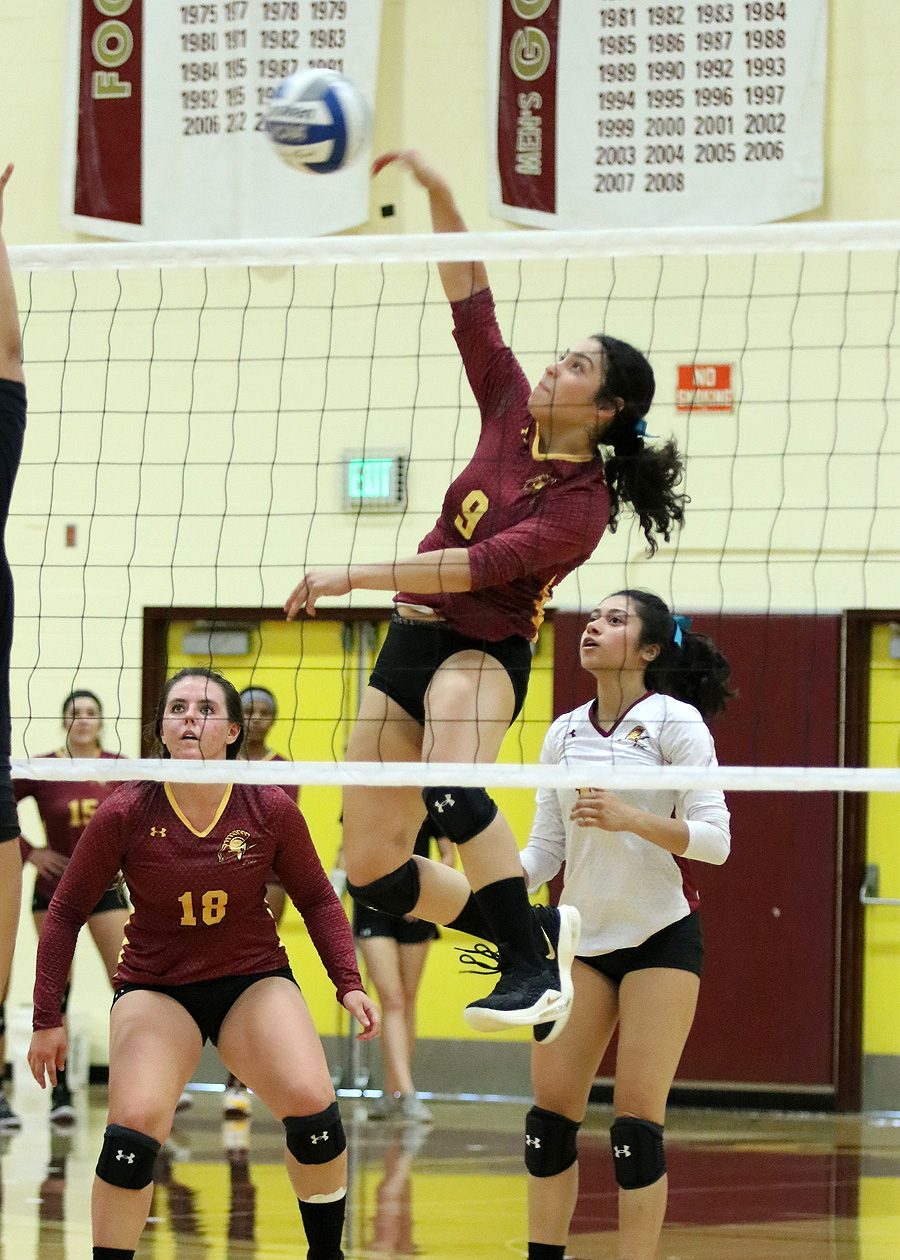PCC's Leslie Rivera made the most of her first playing week in college by being named CCCWVCA State Athlete of the Week, photo by Richard Quinton.
