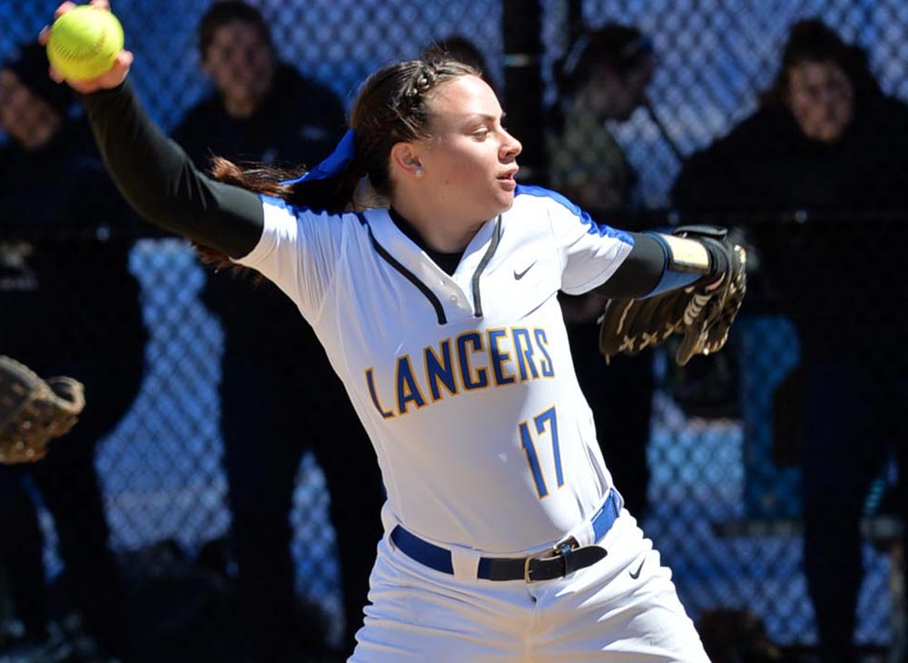 Softball Starts Season with Two Losses to Plymouth State and UW-Oshkosh in Florida