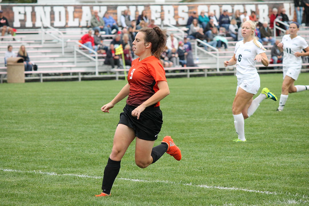 Findlay Drops Match to Cedarville