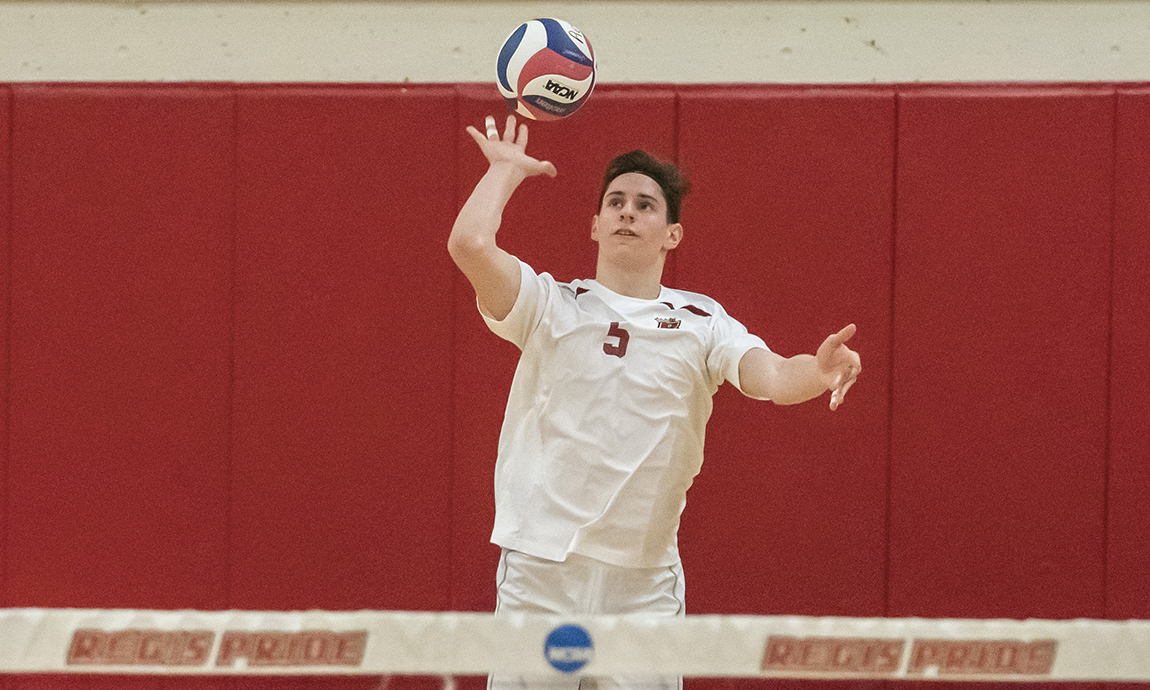 Men's Volleyball Loses Conference Match to Wentworth
