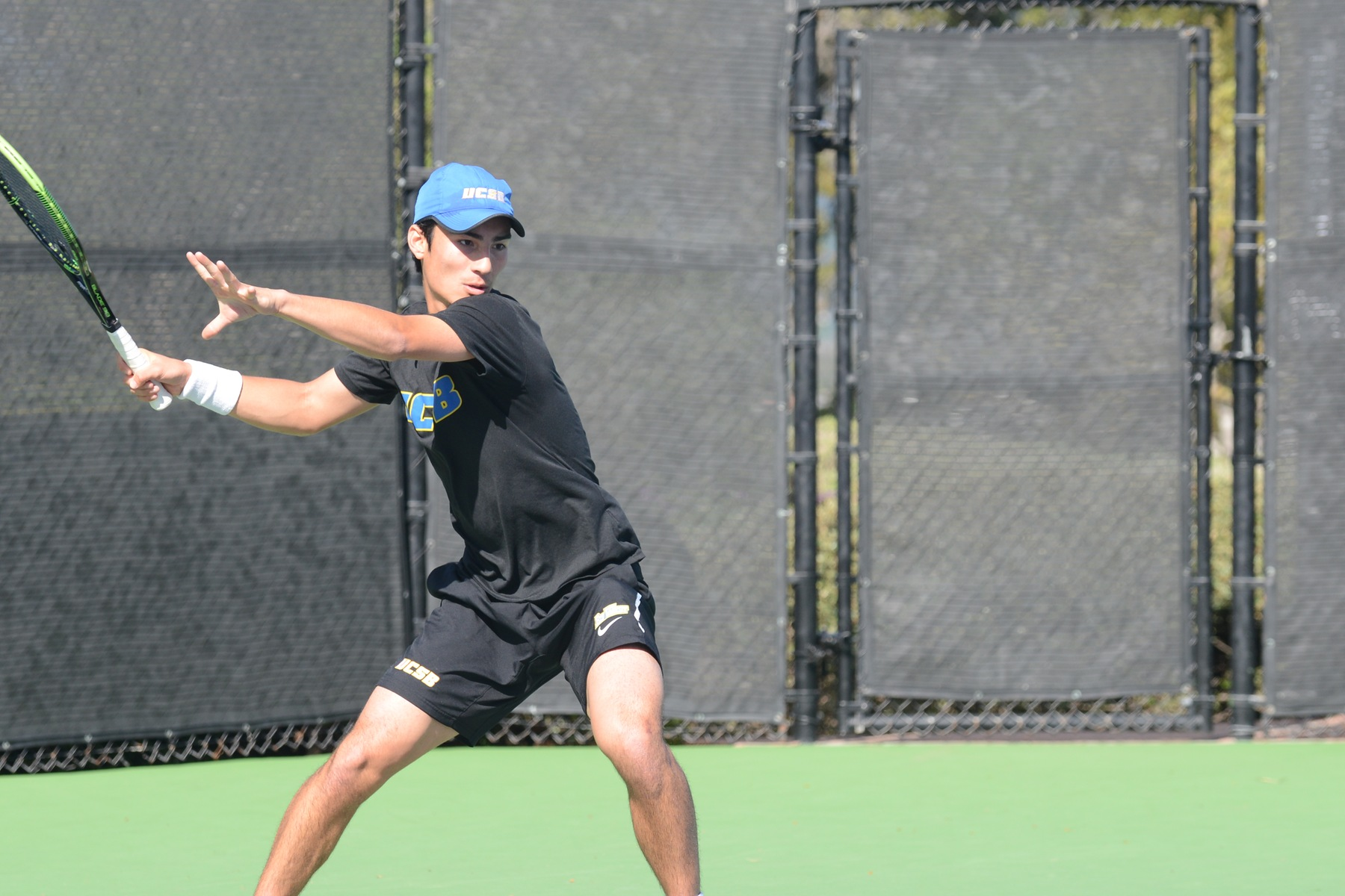 Simon Freund (photo by Eric Isaacs) clinched the Gauchos victory with his singles match Saturday 6-1, 6-3 over Garrett Auproux.