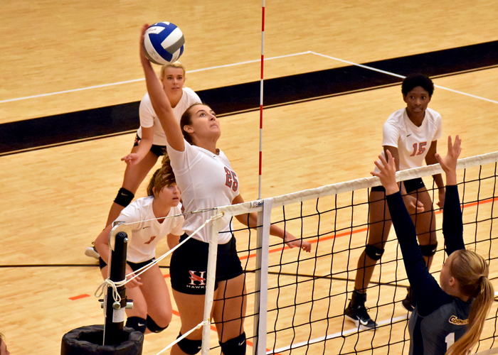 Alexis Creasman led Huntingdon with 14 kills in Saturday's tri-match against Covenant and Agnes Scott.