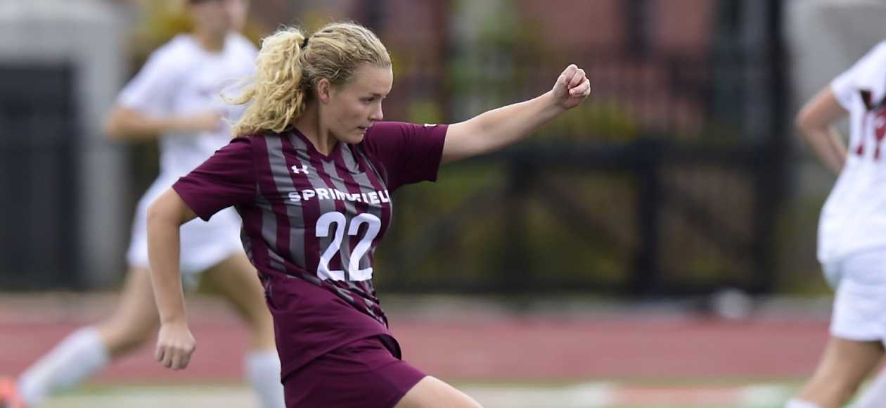 Women's Soccer Cruises Past Western New England, 7-1
