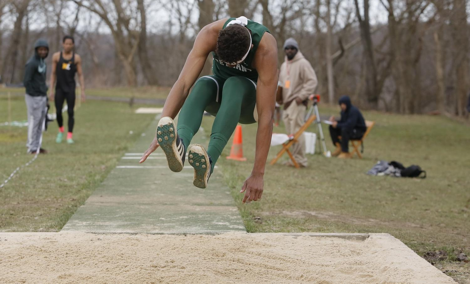 Sallah-Mohammed named USTFCCA All-Region in two events