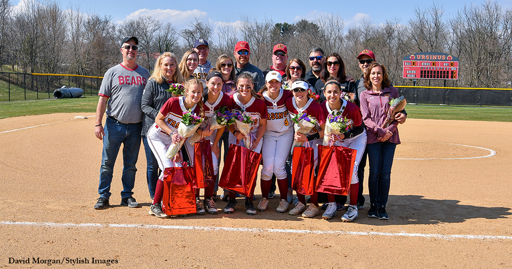 Softball Sweeps Gettysburg on Senior Day