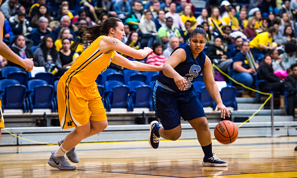 Women's basketball have win streak snapped in loss to Humber