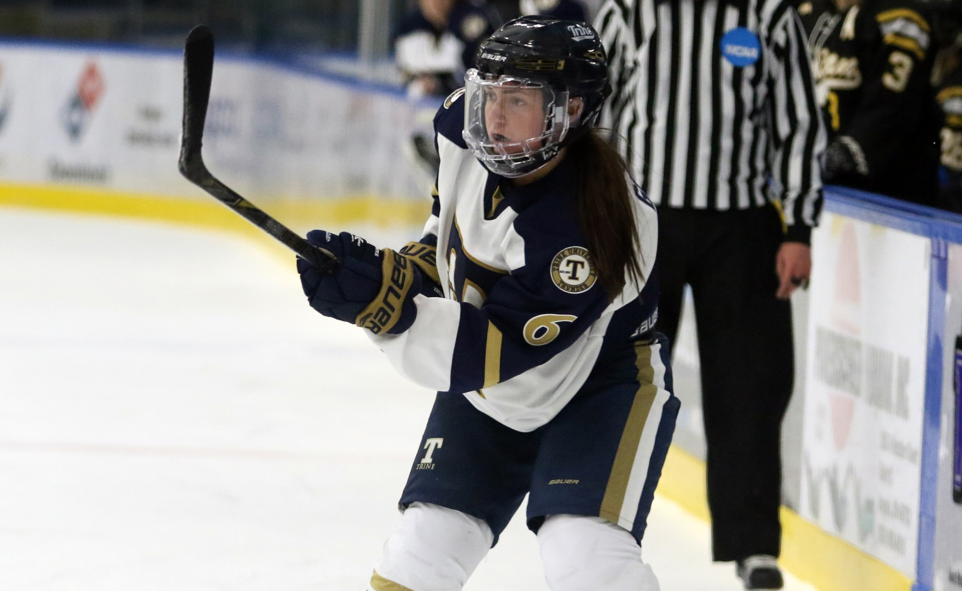 Three-Goal First Period Vaults Women's Hockey to Victory