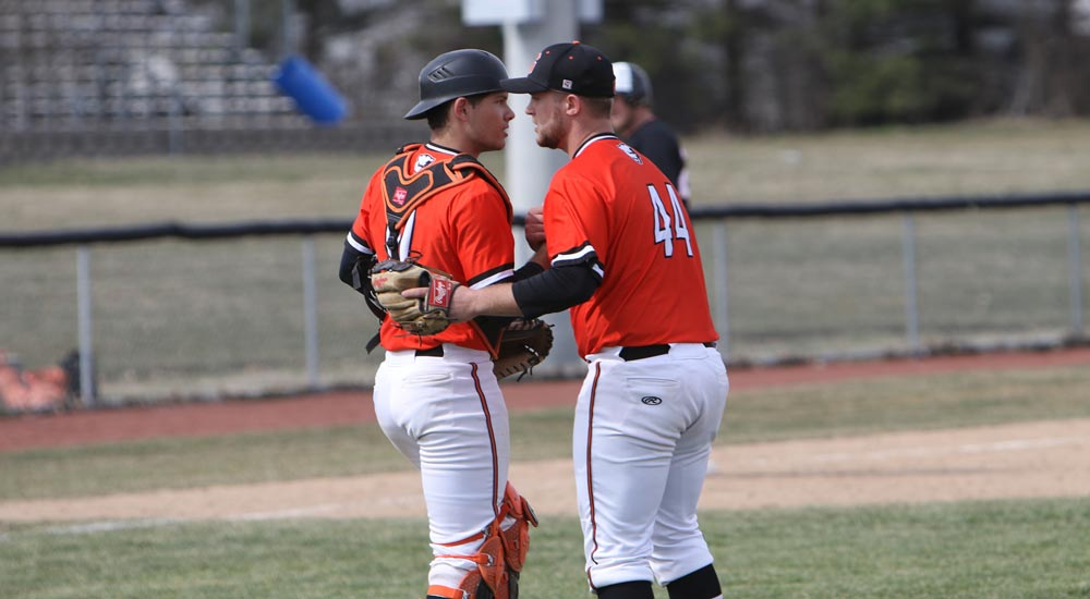 Baseball defeats Blackburn in a pair on Saturday