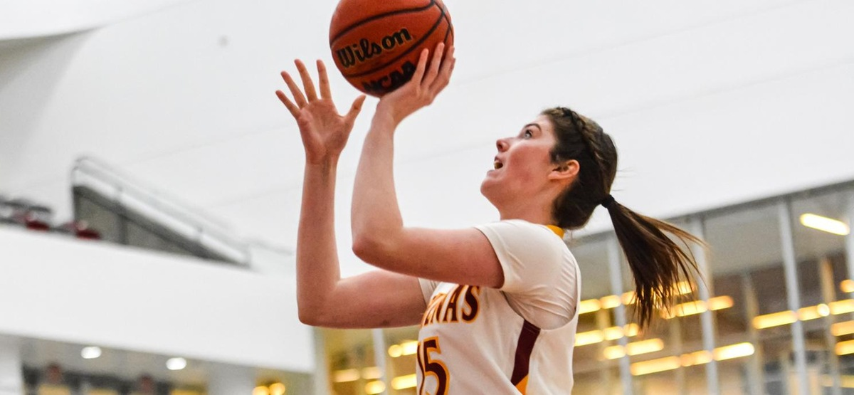 CMS Women's Basketball Pulls Away from Occidental for Eighth Win in a Row
