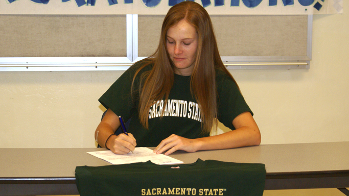 DUNAWAY SIGNS NLI TO COMPETE FOR WOMEN'S GOLF