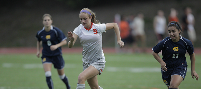 Women's Soccer Opens NWC Action With 2-0 Win Over Willamette