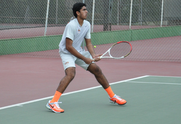 Nationally Ranked Amherst Tops Caltech
