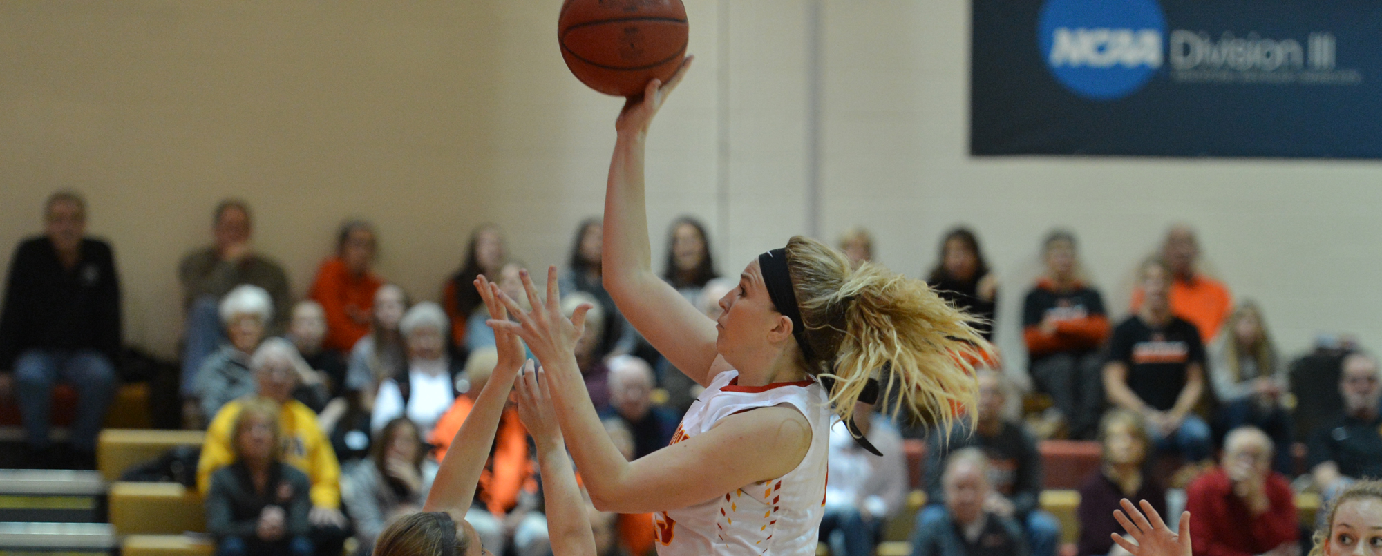 Katie Ahrenholtz scored 10 points off the bench.