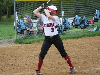 Softball: Late score too much for Mustangs