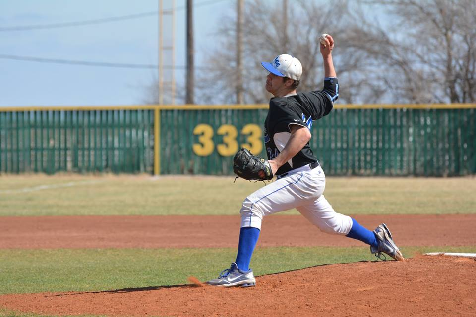 Baseball Loses Two at Kirkwood