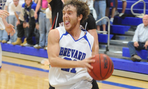 Siniard has six assists in Tornados win