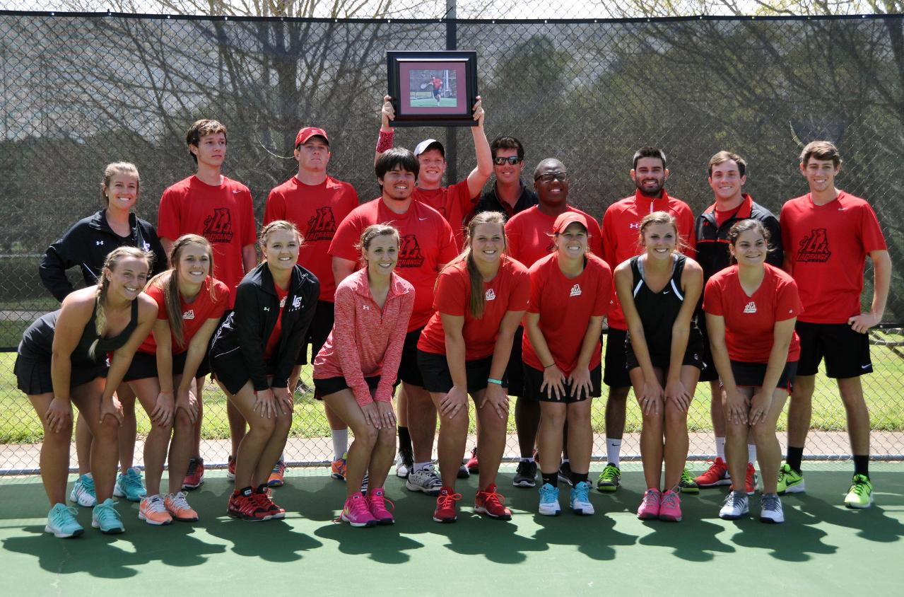 Men's Tennis: Panthers remain unbeaten in USA South play with Senior Day 8-1 win over Maryville