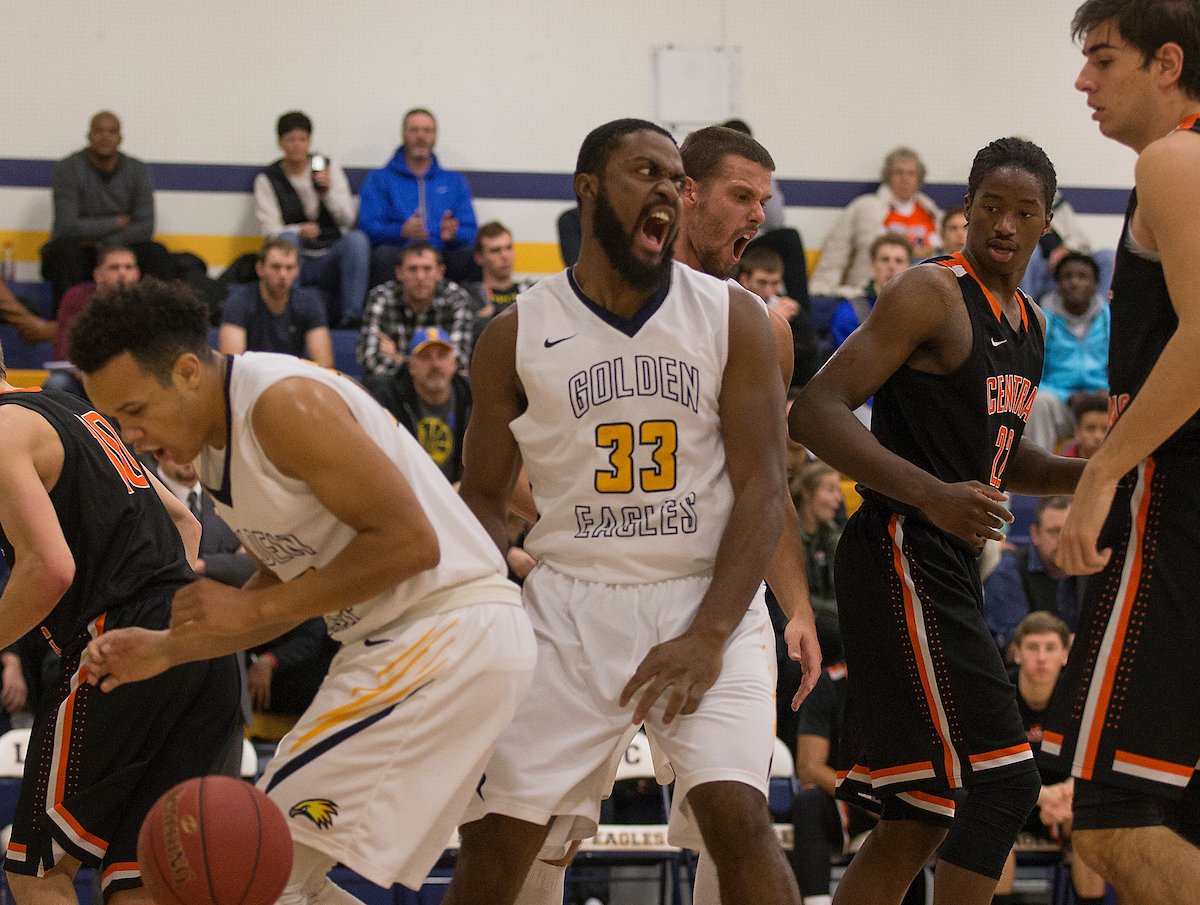 LCCC Men's Basketball Falls to Central Wyoming College