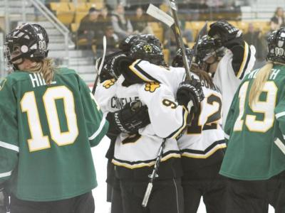 Early Back-to-Back Goals the Difference in 6-4 Win Over St. Norbert