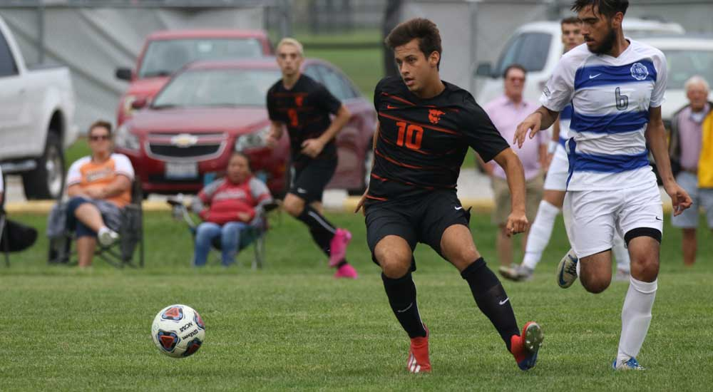 Men's soccer knocks off Illinois Tech in Chicago