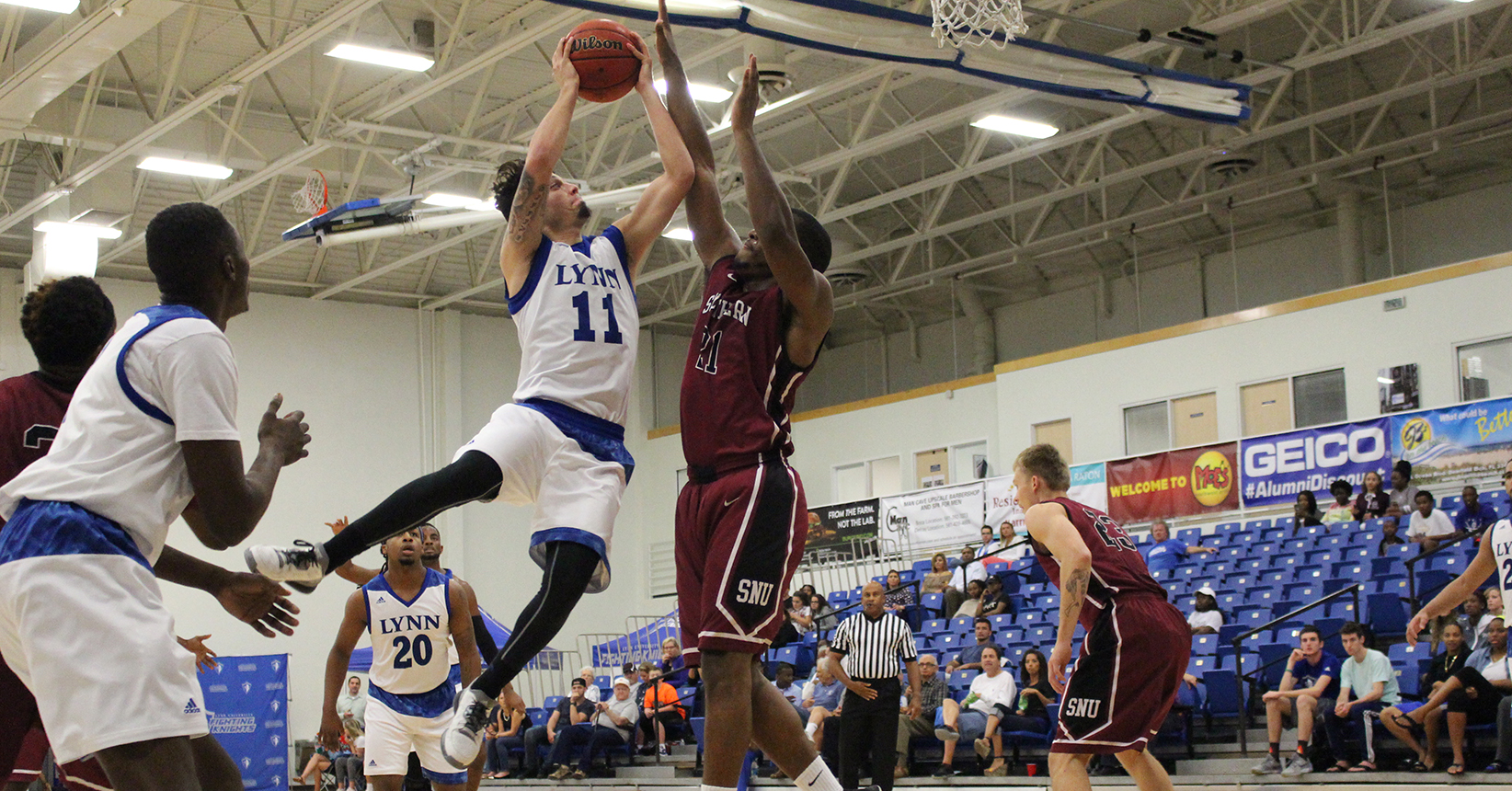 Men's Basketball Opens Holiday Classic with Win over Southern Nazarene