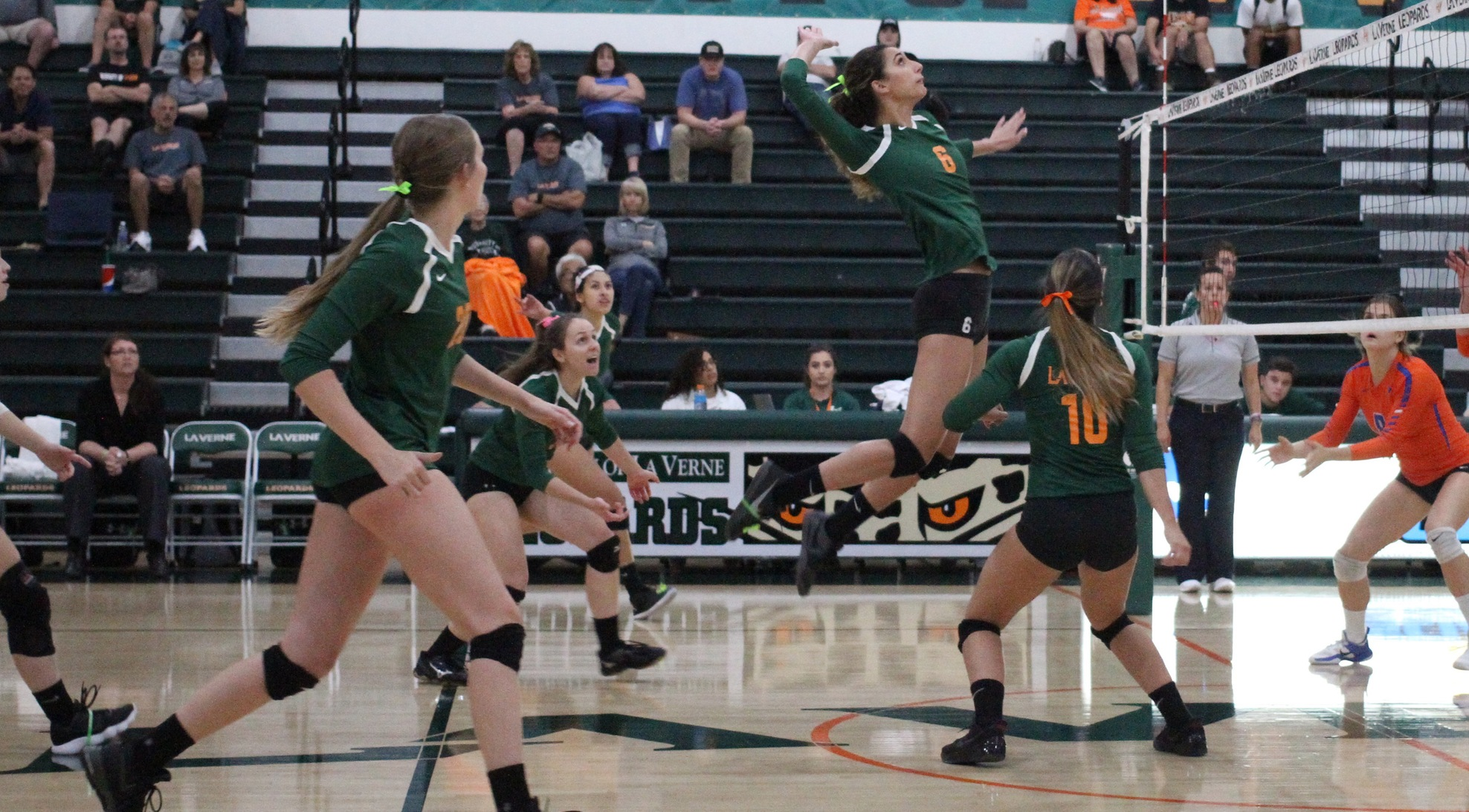 Volleyball drops game at Oxy