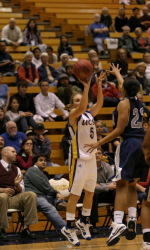 UCSB Exacts Revenge on UC Davis, Wins Eighth in a Row