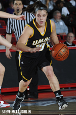 Michelle Kurowski scored 22 points, including the final seven of the game for the Retrievers.
