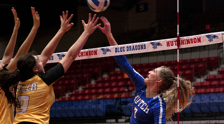 Eden Hiebert had nine kills to lead the Blue Dragon Volleyball team to a sweep over the Independence Pirates on Monday in Independence. (Bre Rogers/Blue Dragon Sports Information).